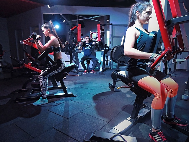 Fitnessgym Fitnesspark in Limburg große auswahl an Geräten